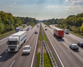 EU moves to curb heavy vehicle emissions