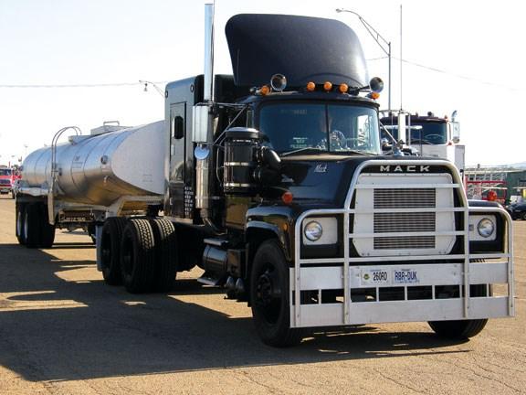 Celebrity Trucks Convoy Truck Deals On Wheels New Zealand
