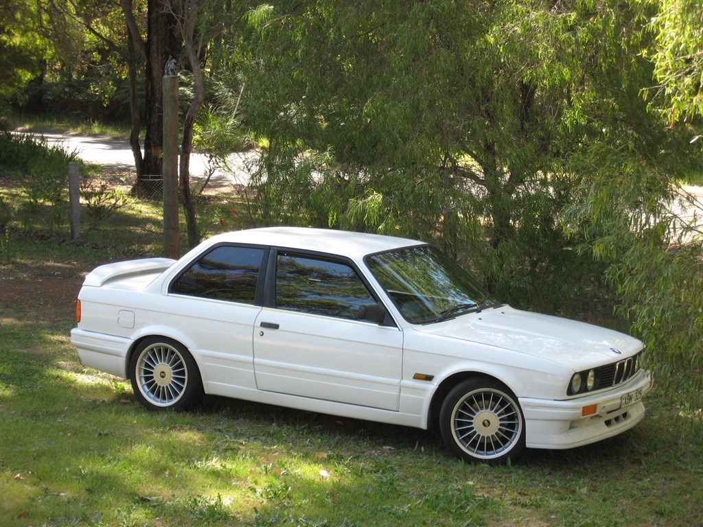 1988 bmw 325i touring e30 related infomation,specifications