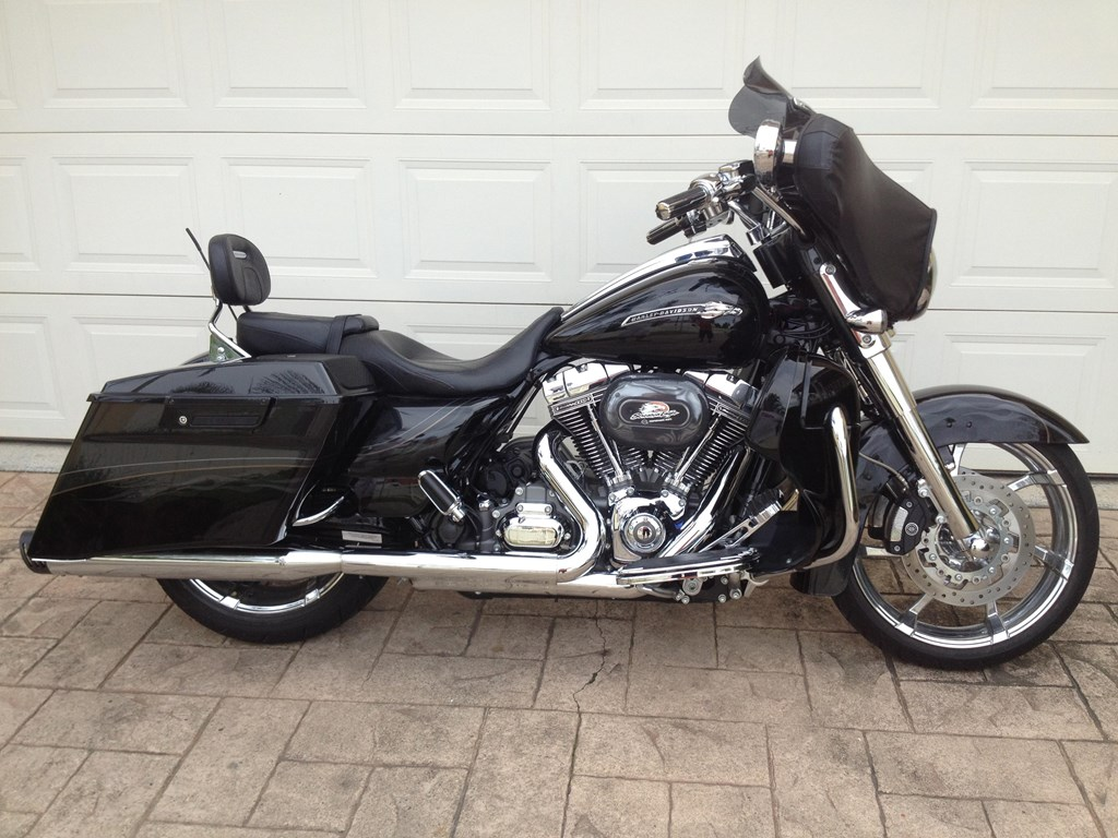 used harleys for sale on ebay cvo custom autos weblog. Black Bedroom Furniture Sets. Home Design Ideas
