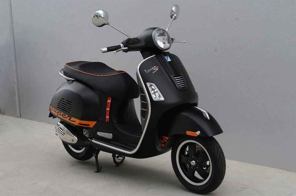 vespa gts 300 super sport bing images. Black Bedroom Furniture Sets. Home Design Ideas