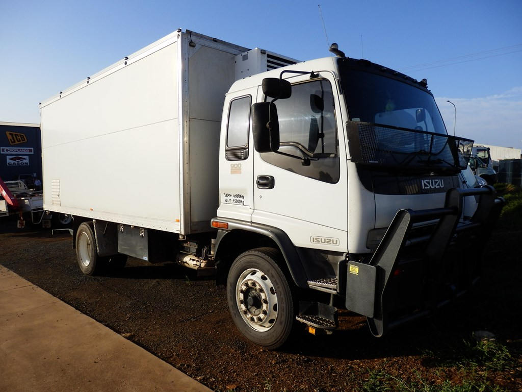 Box truck additionally isuzu pickup trucks on isuzu ftr box truck for