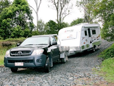 Innovative NEW AGE BR19ES2 BIG RED RV Towing Caravans Specification