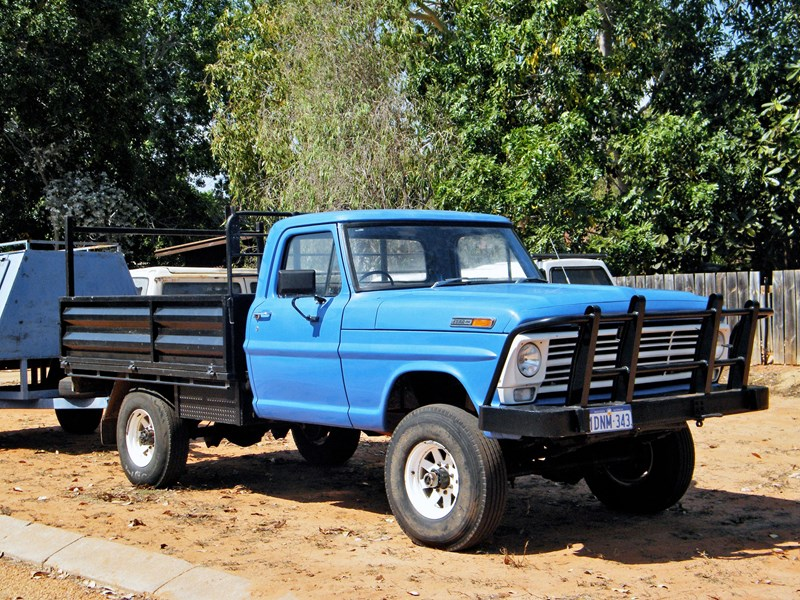 1974 Ford Highboy For Sale http://www.tradeuniquecars.com.au/detail/cars/cars/ford/f250/4077