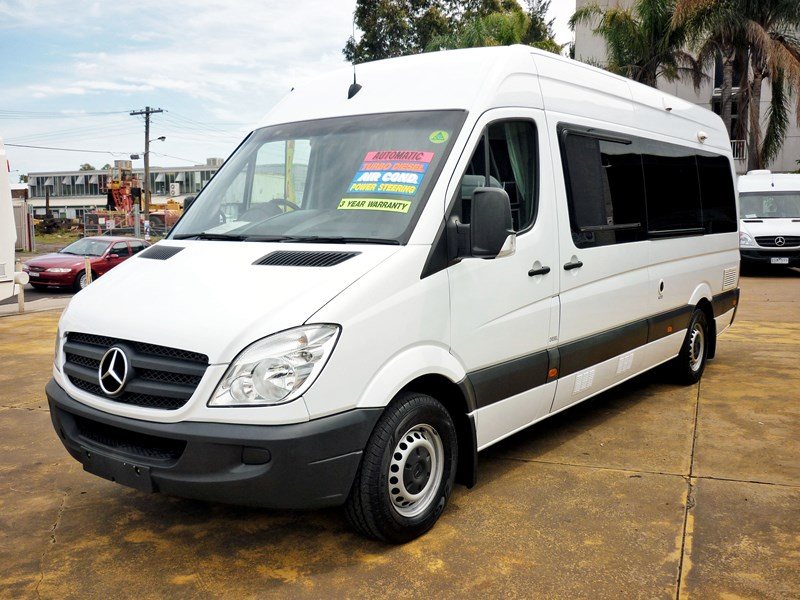 Used mercedes sprinter rv autos weblog for Mercedes benz rv used