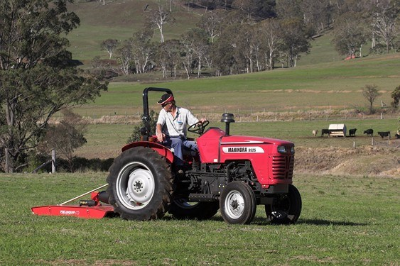 Mahindra 3525 2wd Rops Tractors Specification