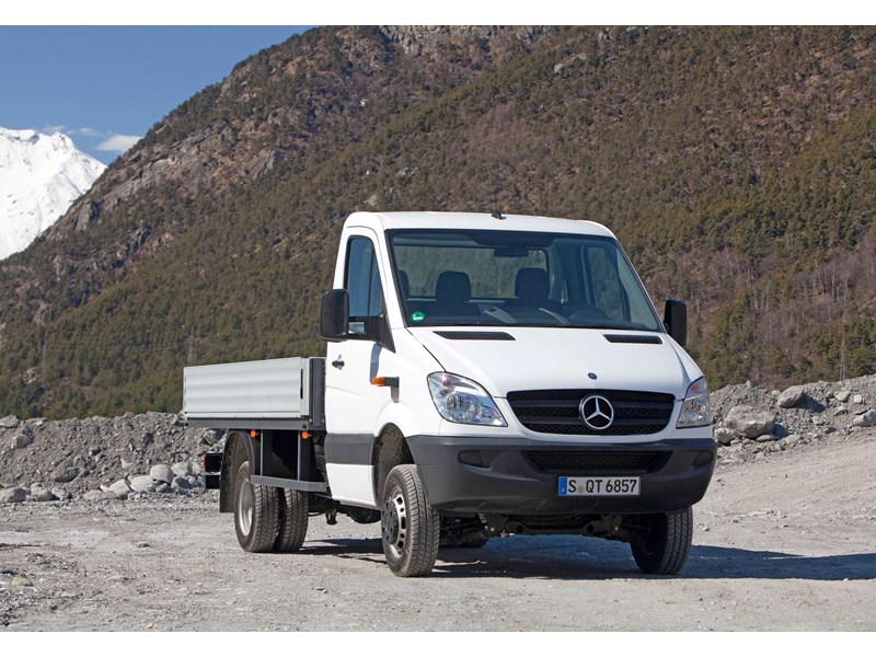 Mercedes benz sprinter 516 cdi lwb cab chassis trucks on for Mercedes benz sprinter cab chassis