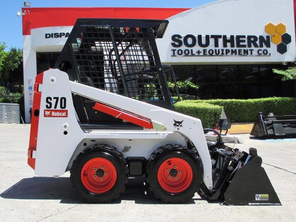 Mini Skid Steer : Bobcat mini loader