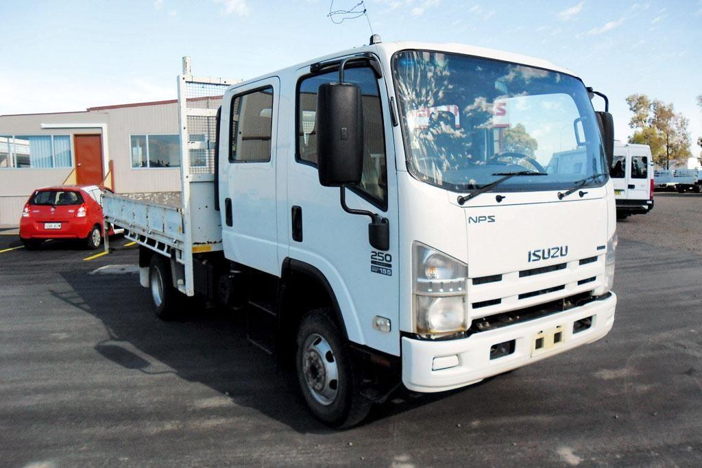 4x4 trucks isuzu 4x4 trucks australia rh 4x4trucksnomiawa blogspot com Isuzu FRR 2013 Isuzu FTR