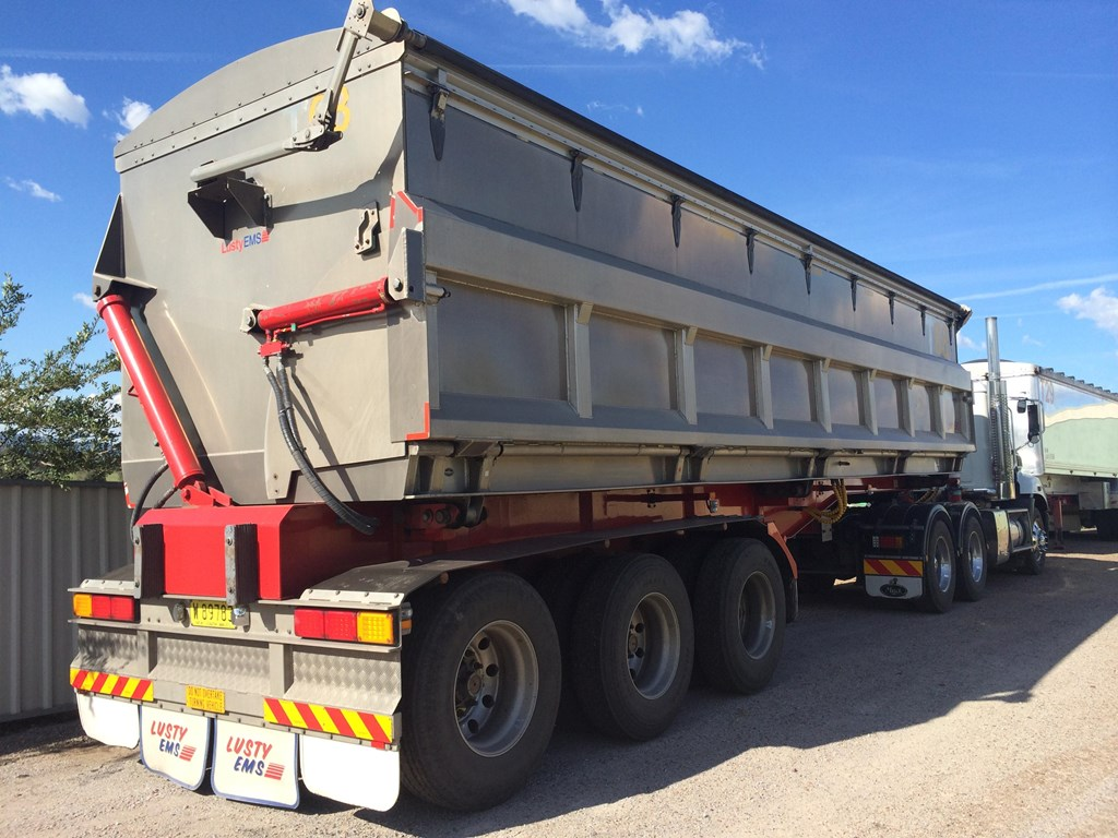 B Train trailers for sale together with Cheap Horse Trailers For Sale In Michigan further bi C  Trailers For Sale together with Hotshot Trucking Pros And Cons Of The Small Truck Niche likewise Slidingsystems. on flatbed semi trailers for sale in michigan