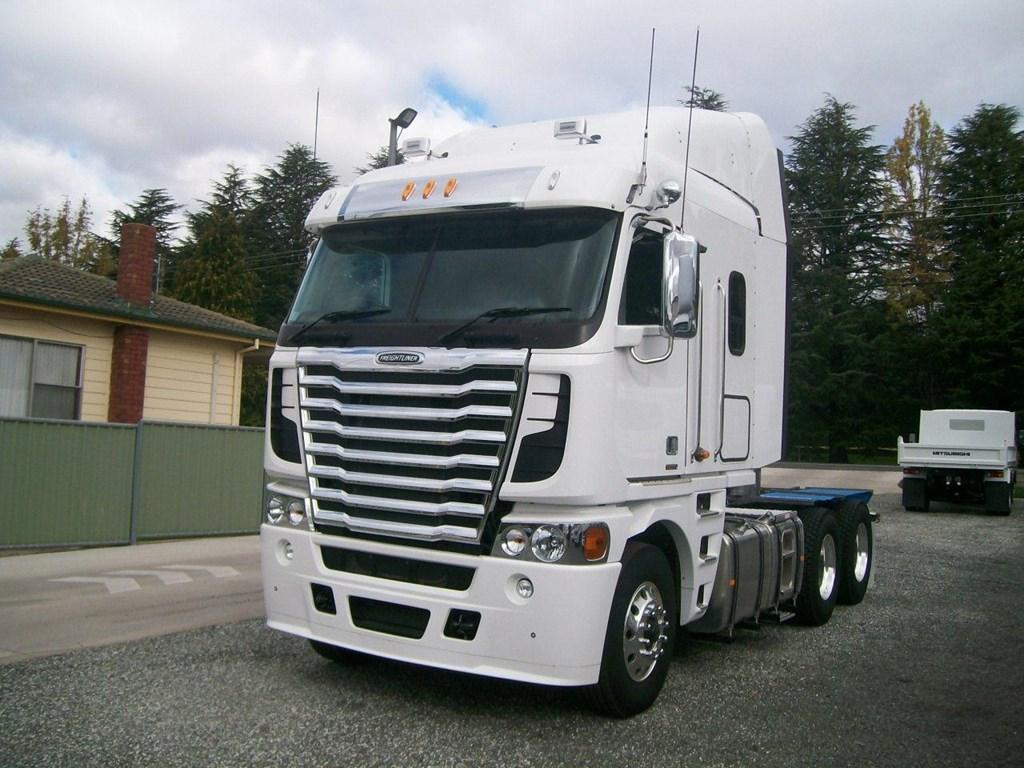 Argosy Truck Heavy Duty Long Haul Trucks Freightliner