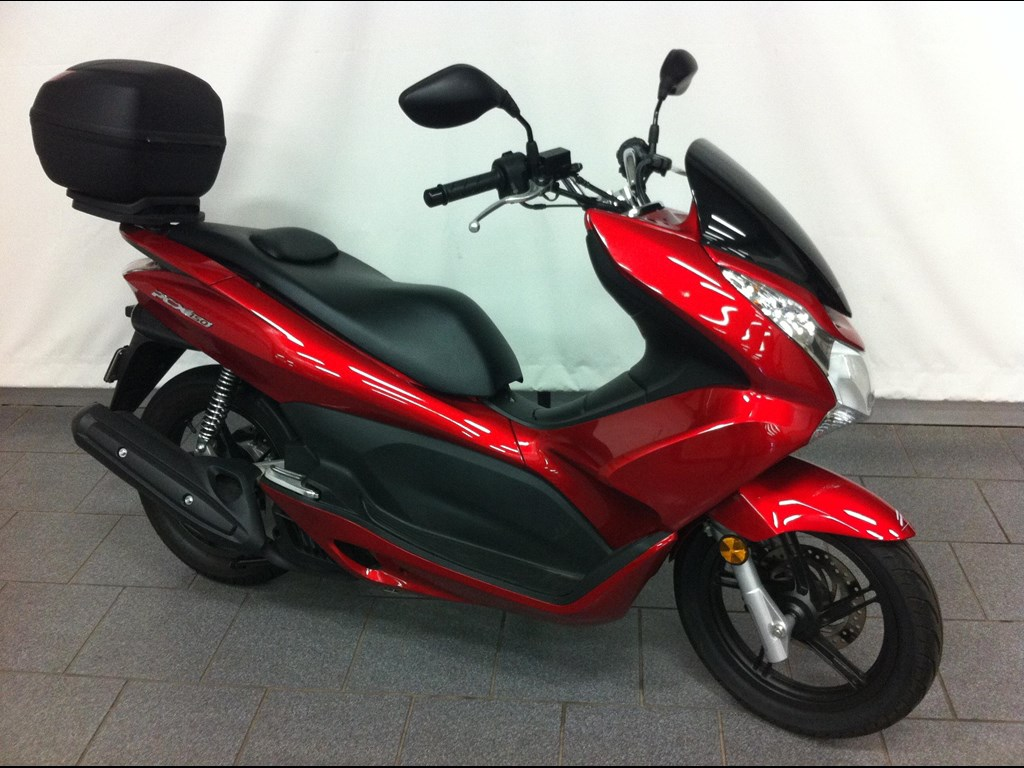 honda pcx 150 for sale in autos post. Black Bedroom Furniture Sets. Home Design Ideas