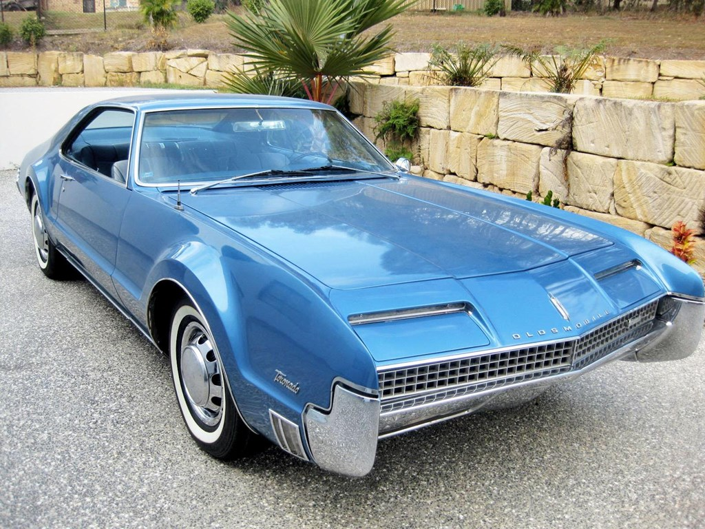 mec nico de nosso quintal oldsmobile toronado for sale. Black Bedroom Furniture Sets. Home Design Ideas